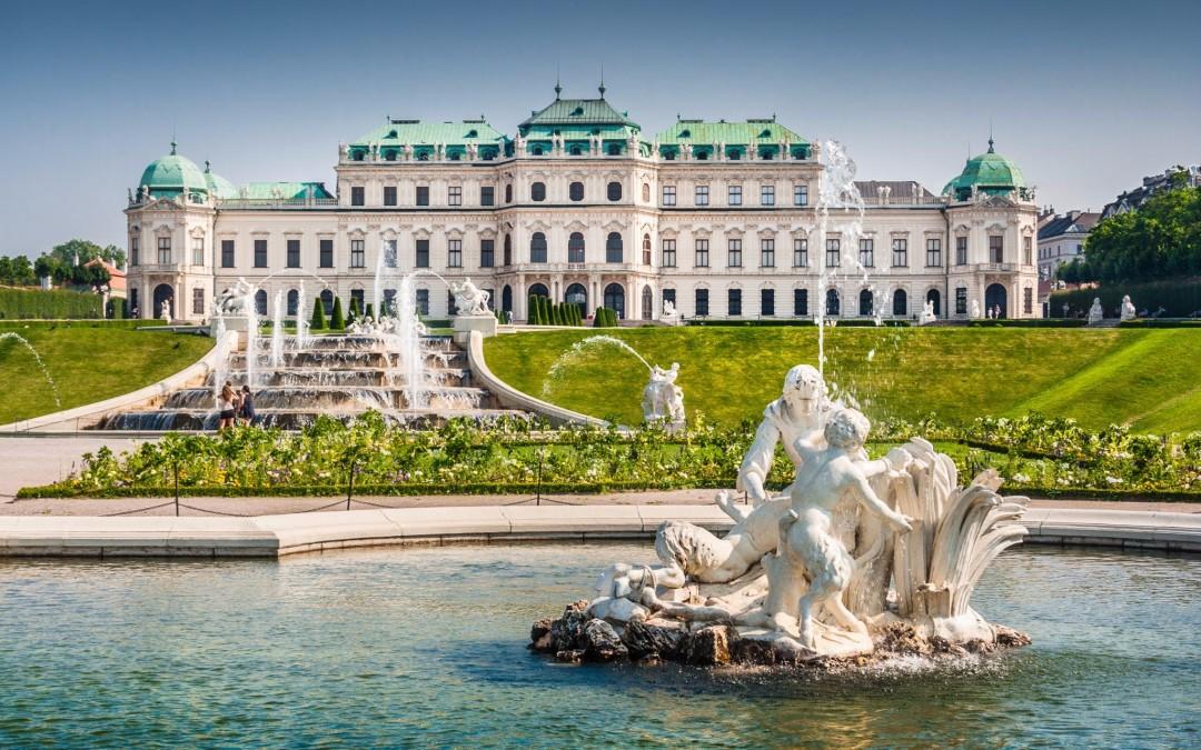 Visita Cultural a Viena, Sankt Pölten, Melk, Krems, Stein e Bratislava